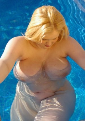 Jeanne-louise adult dating in Myrtle Grove, FL