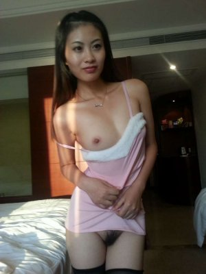 Williana top escorts Hamilton Square